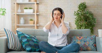 woman-listening-to-music-YNKX8Q6